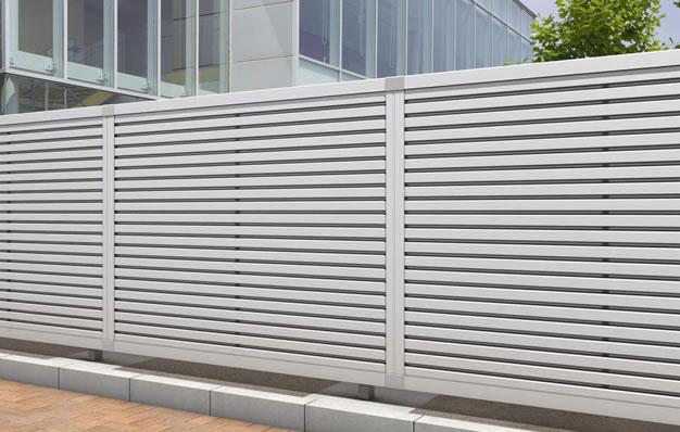 三協アルミ】大型フェンス