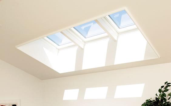 部屋を明るく開放的に!天窓リフォームのメリット・デメリット